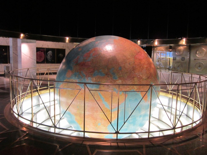 News Building Globe