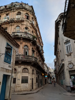 havana vieja streets cuba architecture